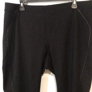 Hue Pull on Pants With Faux Leather Trim size XL